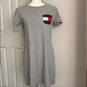 Tommy Hilfiger T-shirt dress with pocket on chest